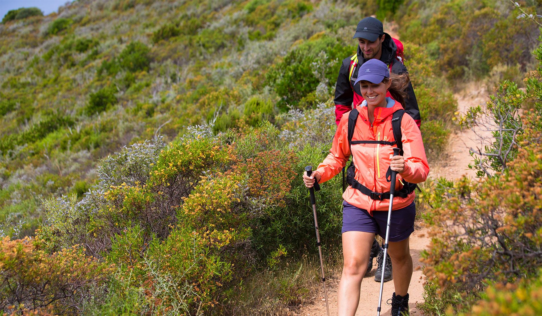 Cum să ne îmbrăcăm în straturi pentru turele montane de hiking