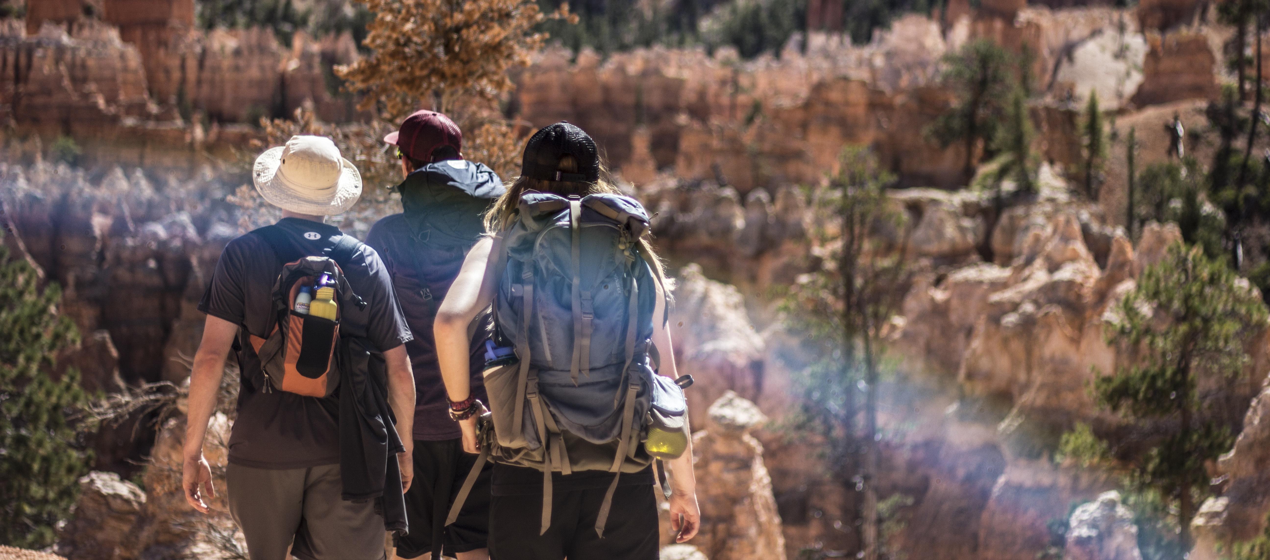 Rucsacul drumețului- lucruri pe care trebuie să le ai pe munte